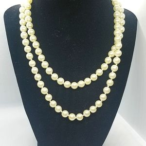 😍2 for 25$cream faux pearl long beaded necklace.